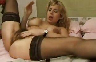 Duas miúdas Asiáticas fazem sexo pizda masaj A Três no Hotel