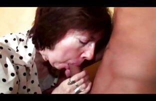 Busty Christina e hairy Darcy sexo lésbico filmeporno cu araboaice