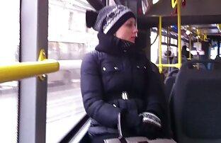 O Stud pega numa video lesbico online velha prostituta e come-A.