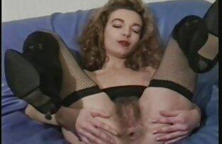 A minha vizinha brinca com a rata dela. videos sexo online gratis