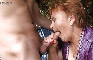Um amador preto ver pornoonline gordinho a mastigar uma picha branca suculenta.