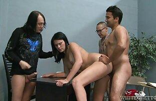 Shemale video porno cu romince Negro a revezar o gajo e a miúda