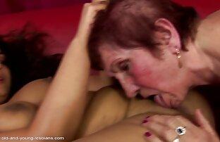 Mulher Tatuada Masturba-Se Ao vídeos de sexo online gratis Ar Livre