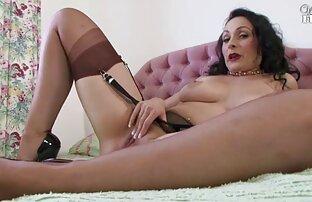 O elenco sensual feminino webcam de sexo ao vivo gratis acaba em luxúria lésbica.